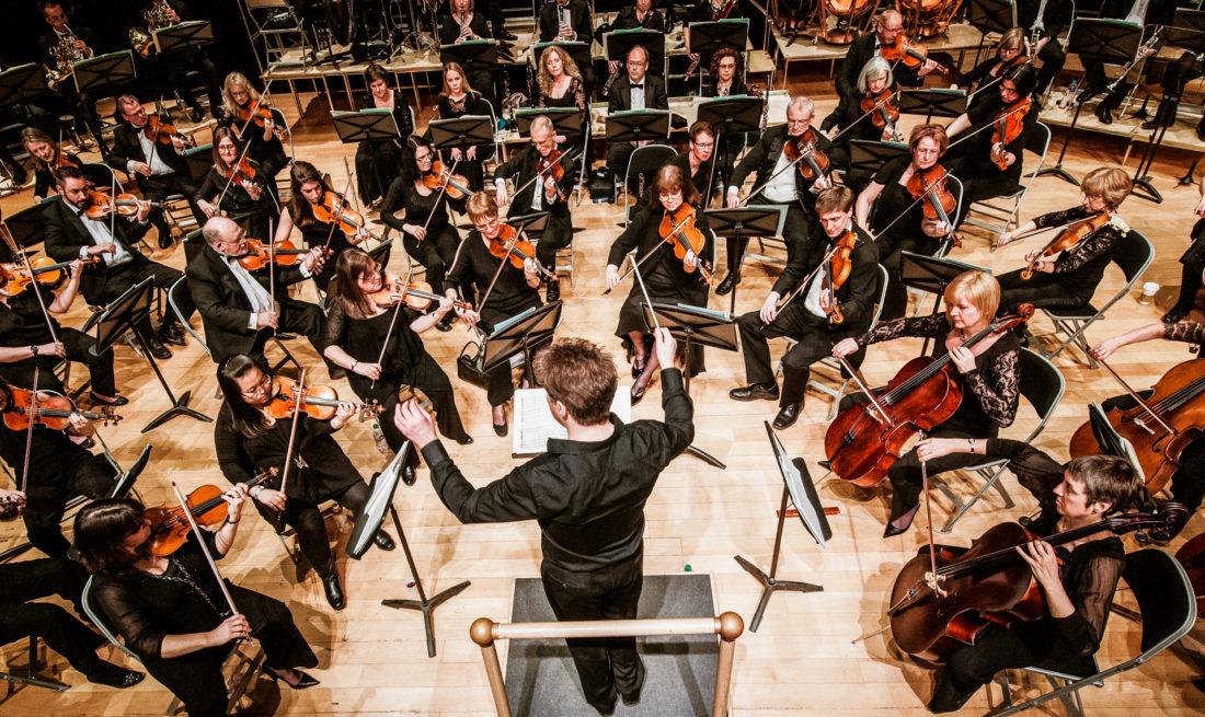 de Havilland Philharmonic Orchestra Robin Browning conductor
